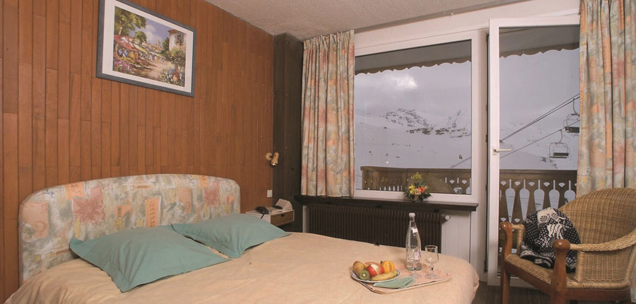 France_Val-Thorens_hotel_le_val_chaviere_double_bedroom.jpg
